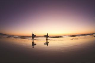 サンセットビーチの美しい光景。広がる大自然、溢れる光。